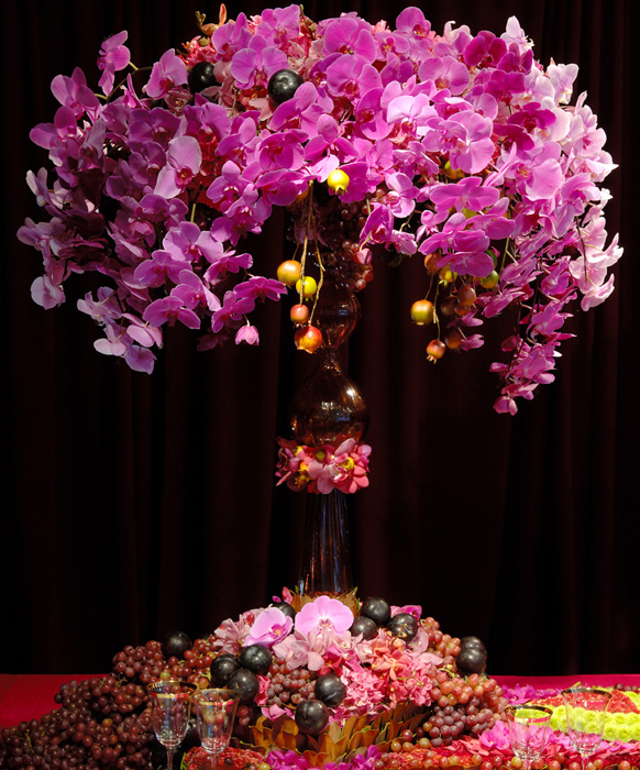 Pink Wedding Centerpiece Ideas: Tall Centerpieces For A Hot Pink Wedding