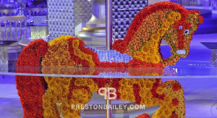 floral floral sculpture flowers horse reception table setting wedding color|blue color|red color|silver color|yellow